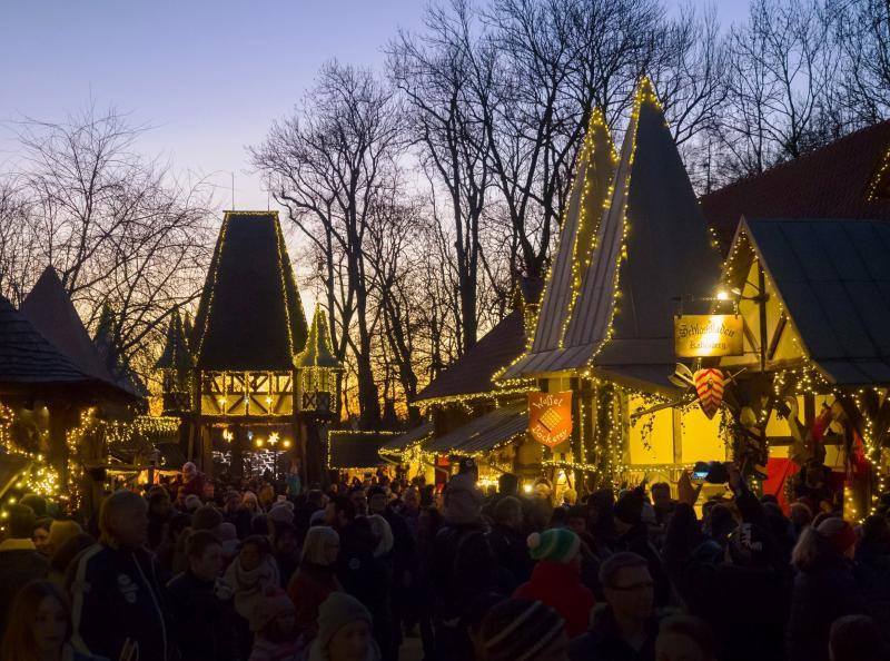 Starnberg Weihnachtsmarkt.Wie Im Märchen Weihnachtsmarkt Auf Schloss Kaltenberg Amper Kurier